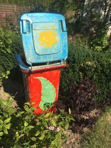 """Projekt Kunstkilometer """"die Mülltonne"""""""